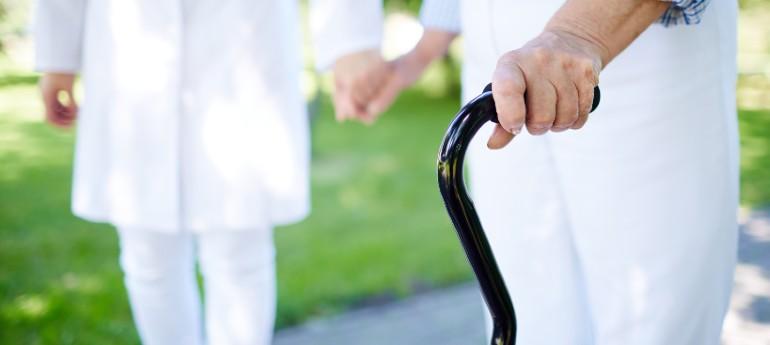beneficios osteopatía personas mayores