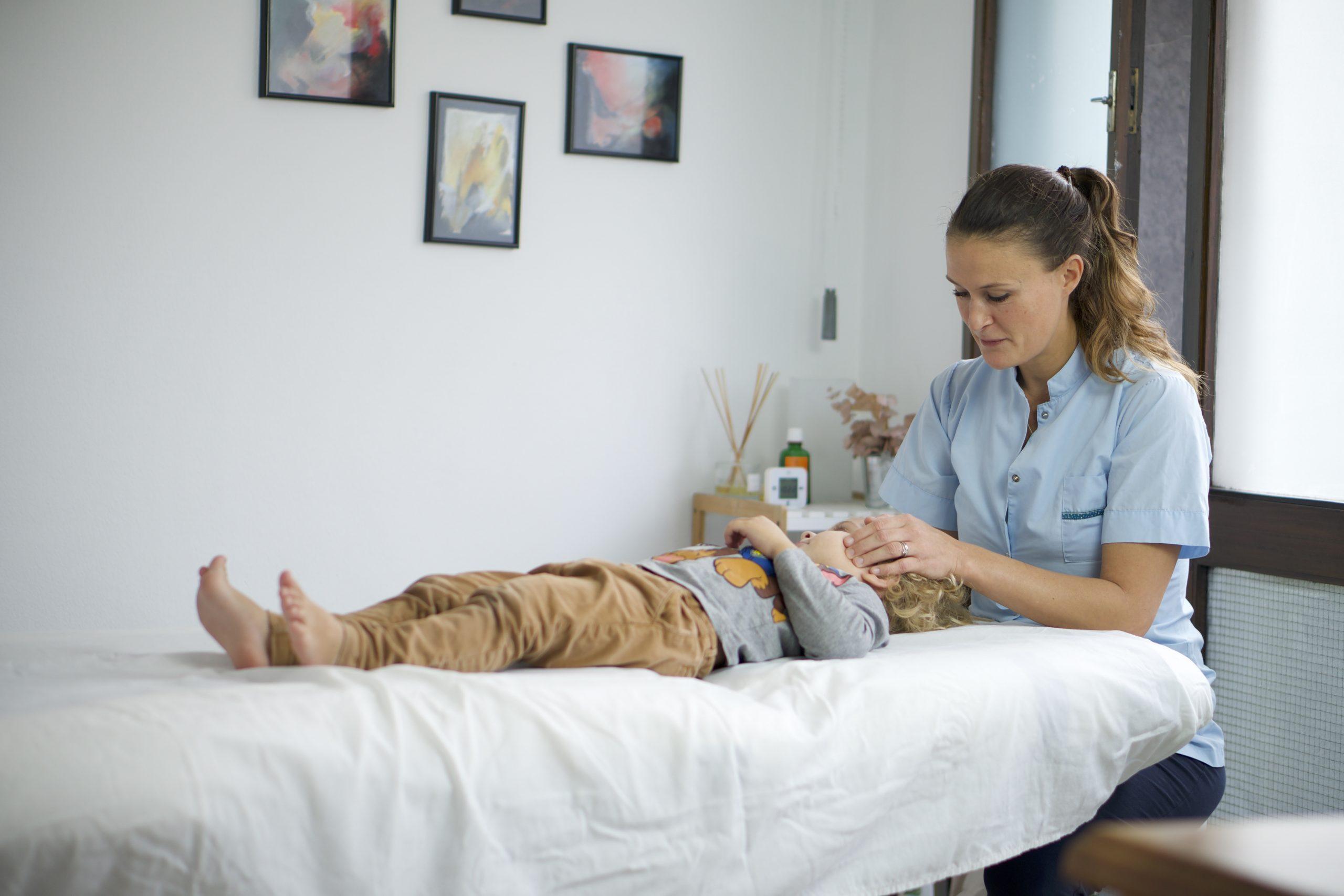 enfant ostéopathie, child osteopathy, niño osteopatía